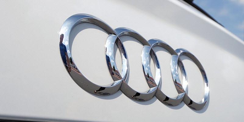 Audi додала кроссоверу Q5 заряджувану гібридну силову установку