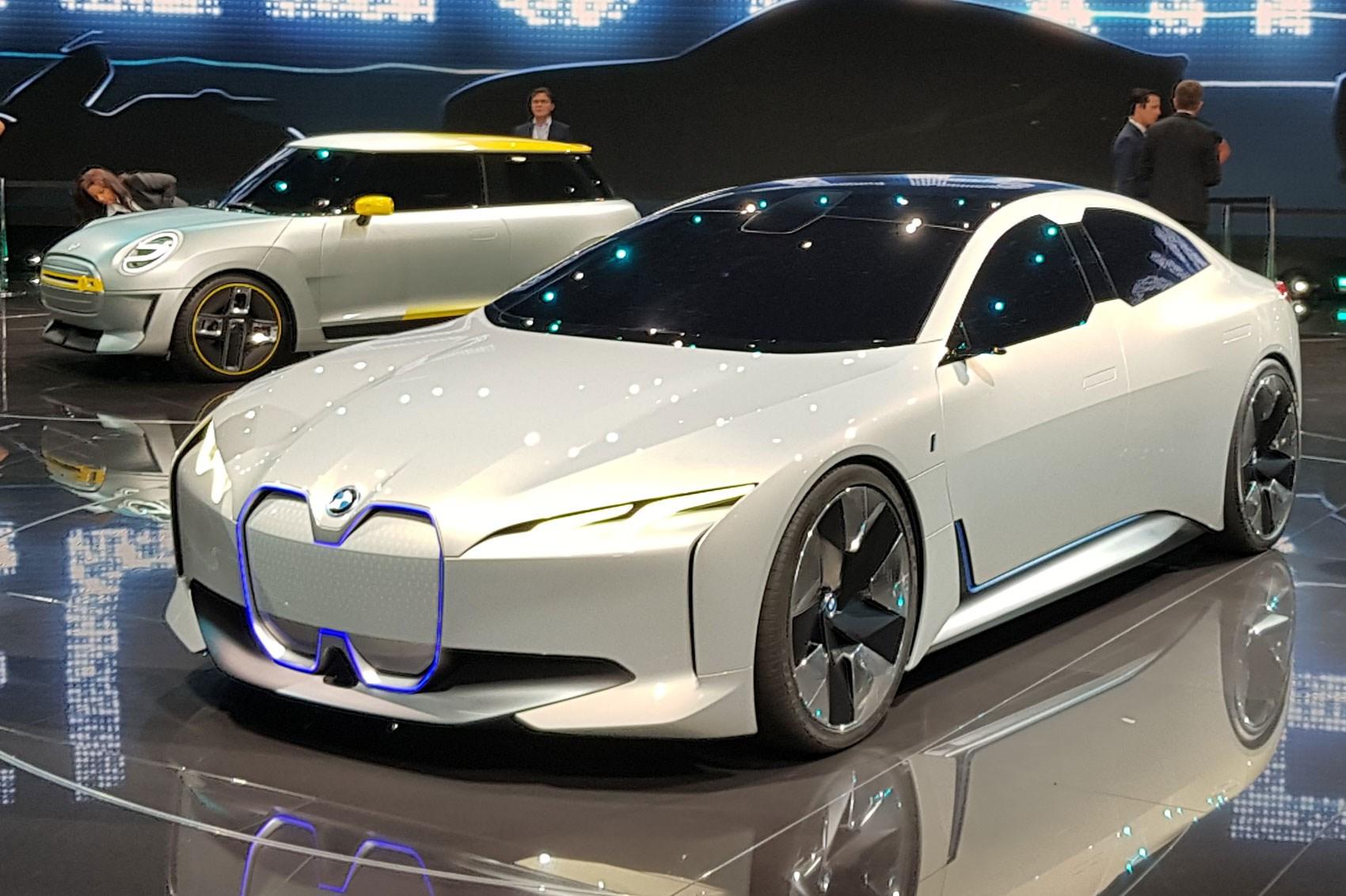 Електромобілі BMW зможуть долати 700 км без підзарядки
