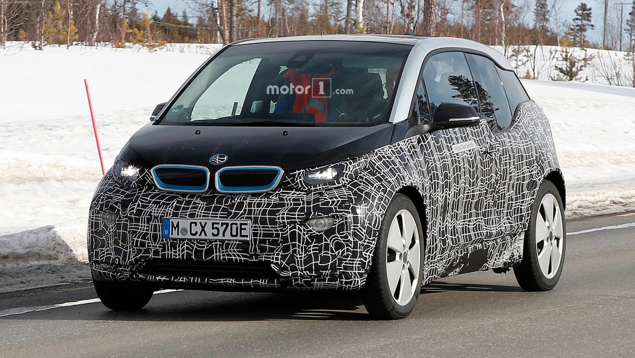 В мережі з'явилися шпигунські фото BMW i3 нового покоління