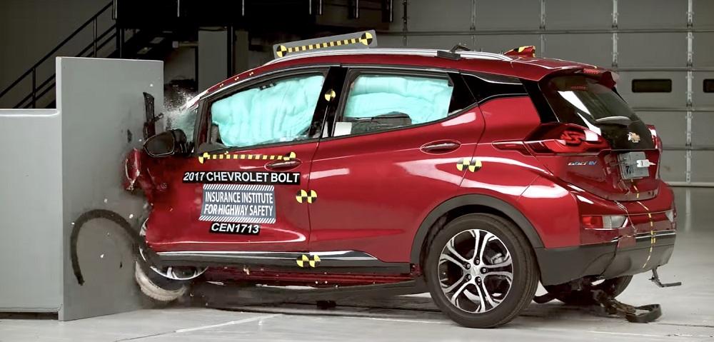 Crash Test електромобіля Chevrolet Bolt: відео