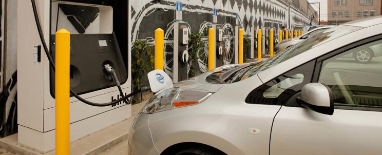 США значно розширить мережу зарядних станцій для електромобілів