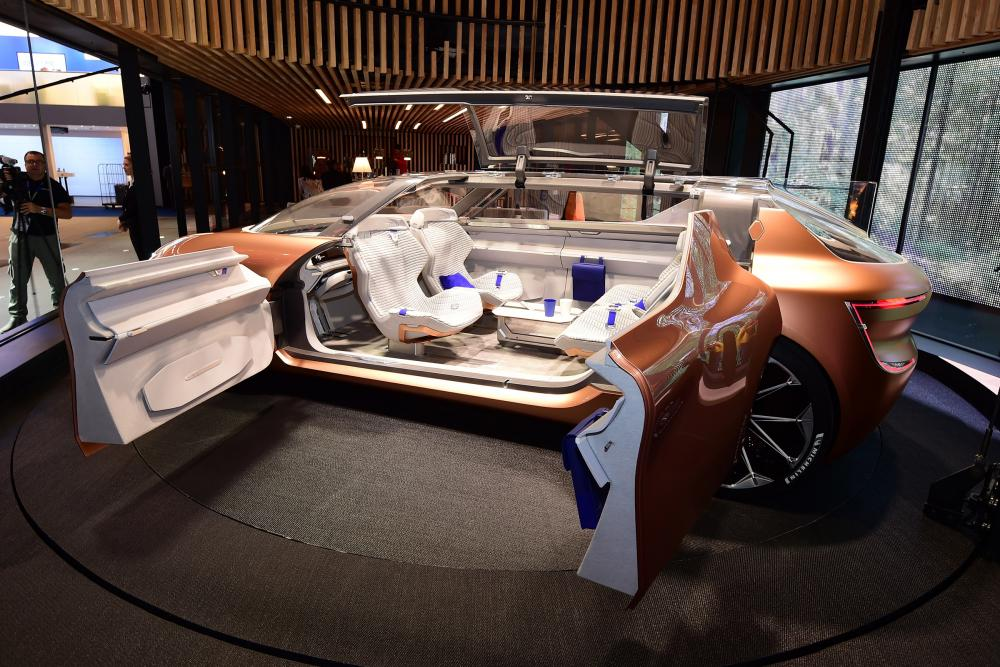 frankfurt_renault_symbioz_concept_ecoauto.jpg (130.15 Kb)