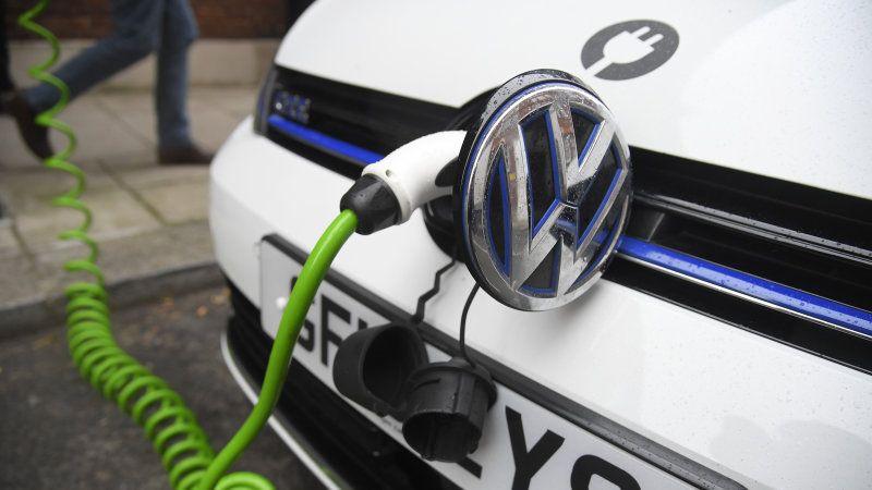 VW поширює свої зарядні станції в Канаду