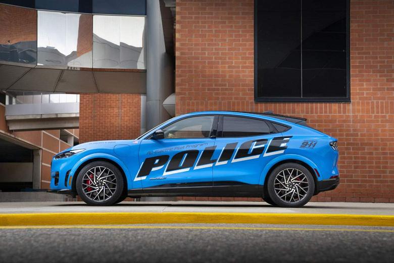 Ford Mustang Mach-E пройшов випробування поліцією штату Мічиган