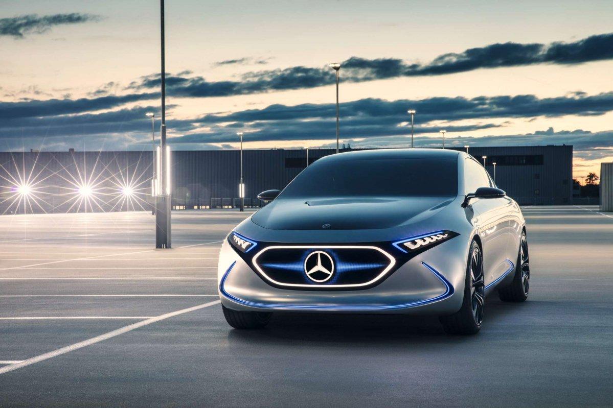 Mercedes представили електромобіль EQA у Франкфурті