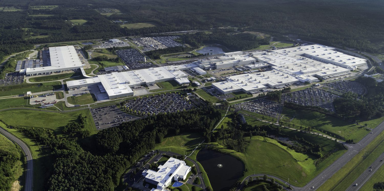 Mercedes-Benz інвестує мільярд доларів у виробництво електромобілів