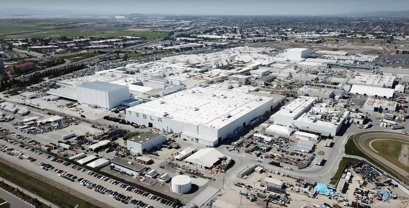 Tesla намагаються виробляти 7000 електромобілів Model 3 в тиждень