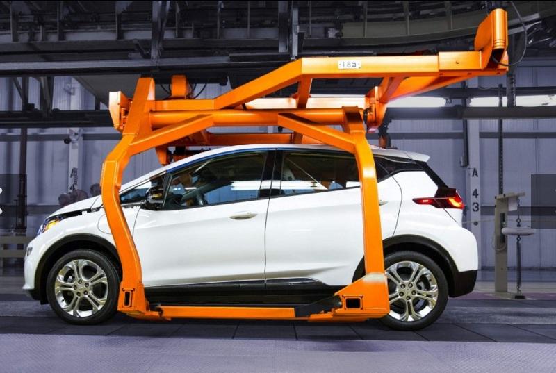Chevy Bolt EV 2017 - початок виробництва електромобілів (відео)