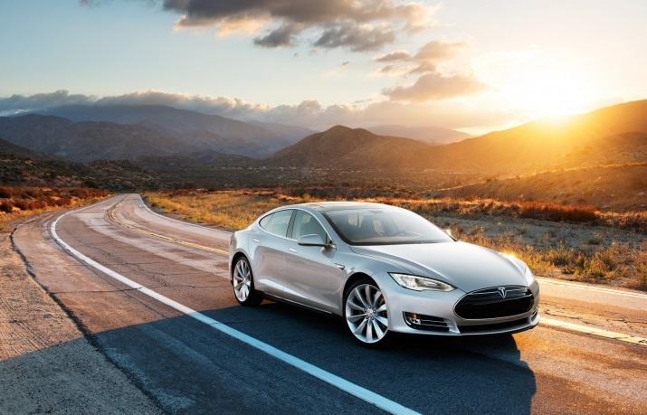Електрокари Tesla будуть заряджатися від Сонця