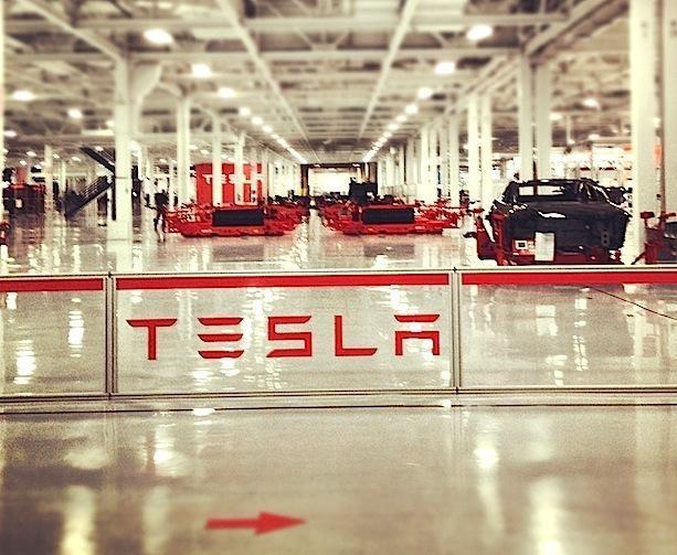 Міністерство інфраструктури веде переговори з Tesla щодо будівництва заводу в Україні