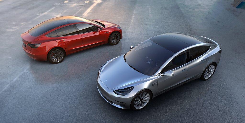 Ілон Маск представив Tesla Model 3 - перші фото