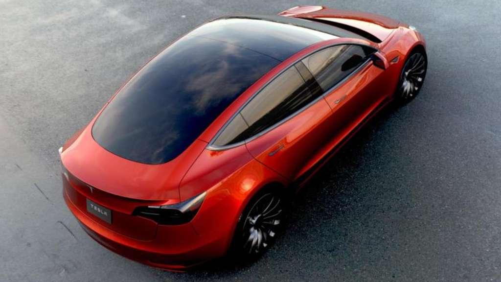 Нові зображення та відео Tesla Model 3