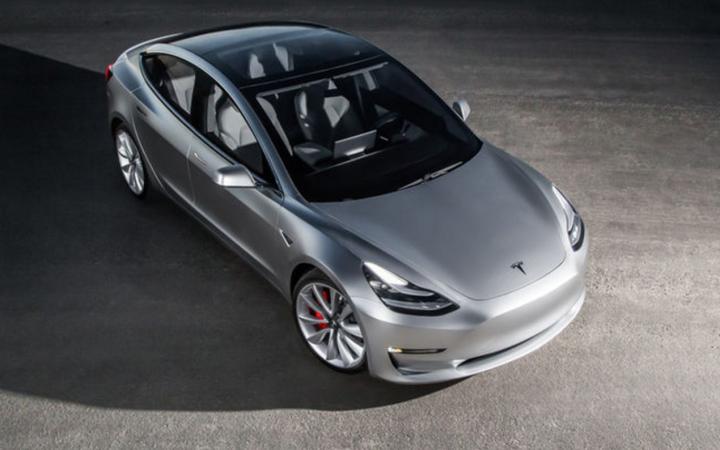 Підрозділ Tesla Glass оснастить електромобілі особливим склом