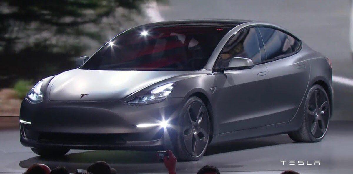 Tesla Model 3 отримає акумуляторну батарею менше 100 кВт*год