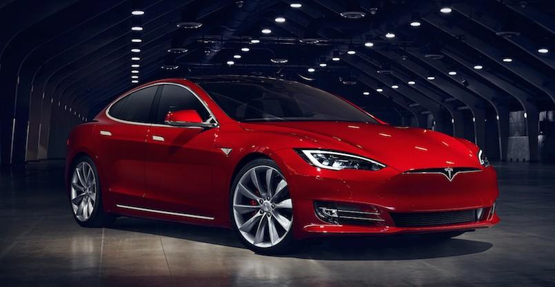 Tesla Model S 2016 - оновлений дизайн