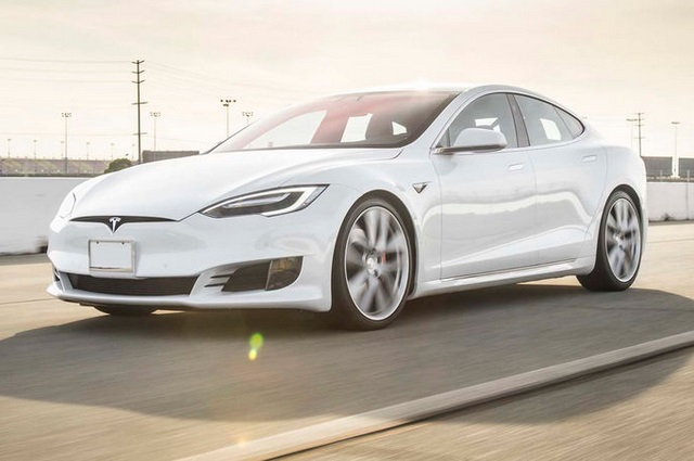 Новий рекорд серійного Tesla Model S P100D: розгін до 60 миль/год за 2,28 секунди