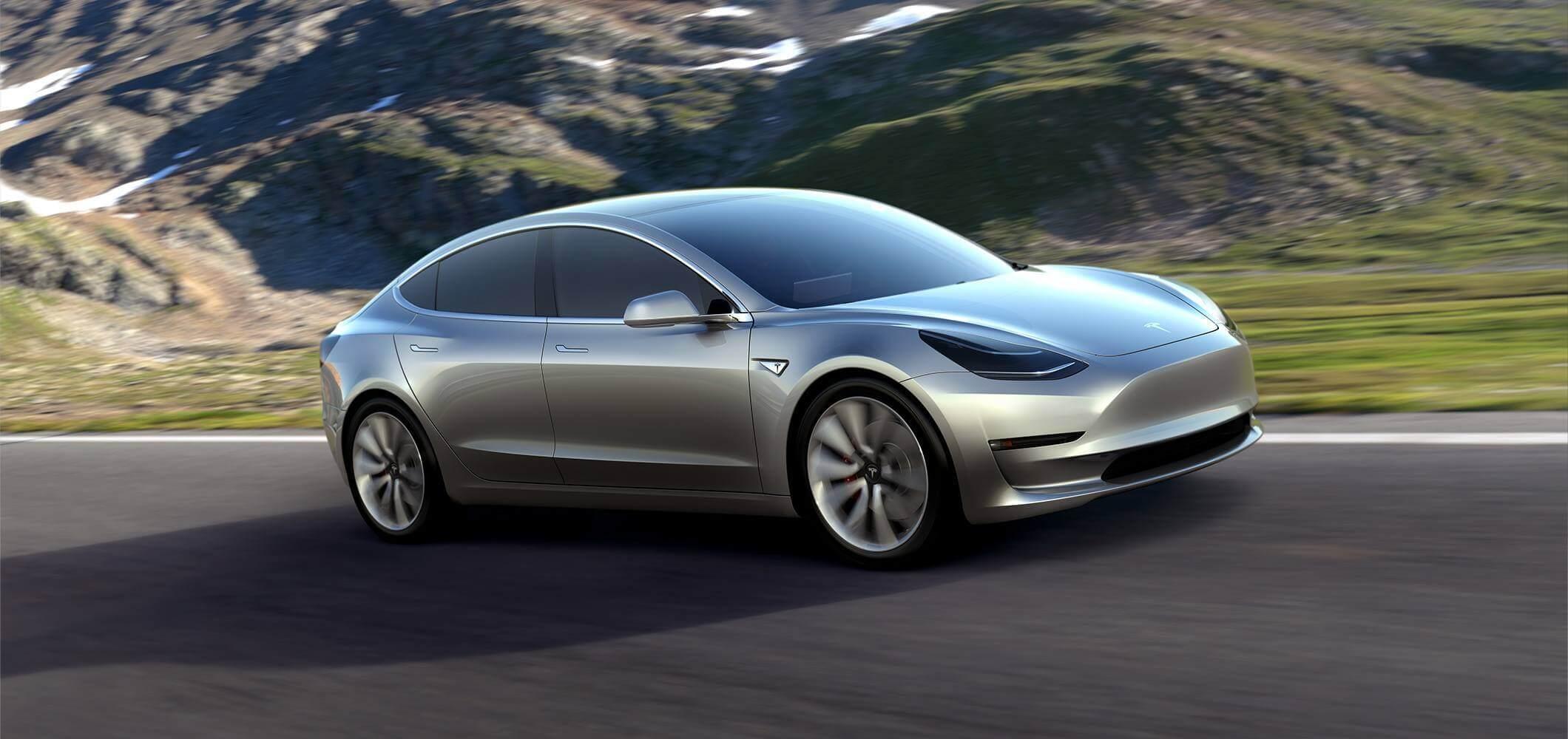 Tesla Model 3 вже розпродалася на рік вперед