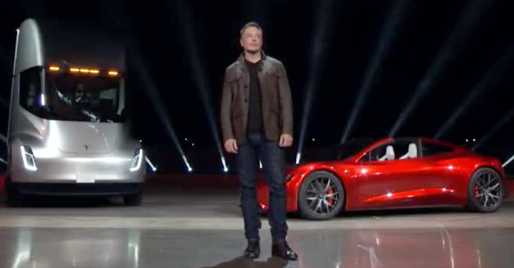 Елон Маск представив електровантажівку Tesla Semi Track та супершвидкісний спорткар