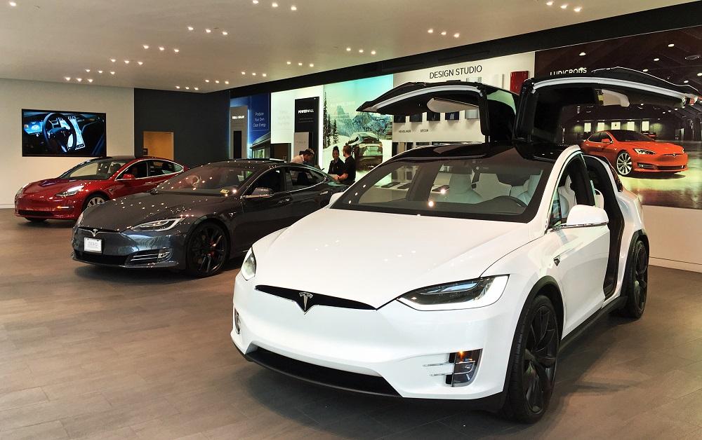 Ніхто не може наздогнати Tesla: продажі електромобілів 2018
