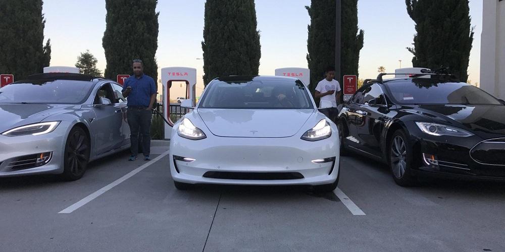 Яка собівартість електромобіля Tesla Model 3