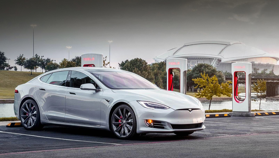 Tesla обмежила доступ до зарядних станцій Supercharger