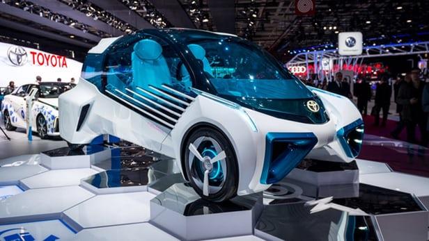Концепт водневого автомобіля Toyota FCV Plus на виставці в Парижі
