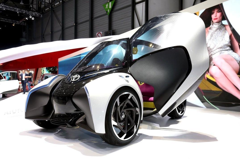 Toyota представила в Женеві міський міні-електромобіль i-Tril