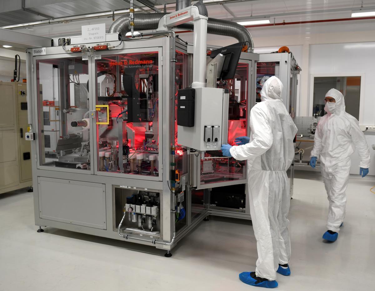 Volkswagen вступає у гонку за ринок батарей для електромобілів